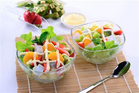 cara buat salad buah kaleng resep salad buah nata de coco kewpie indonesia