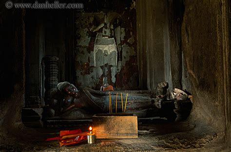 reclining buddha cambodia reclining buddha 2