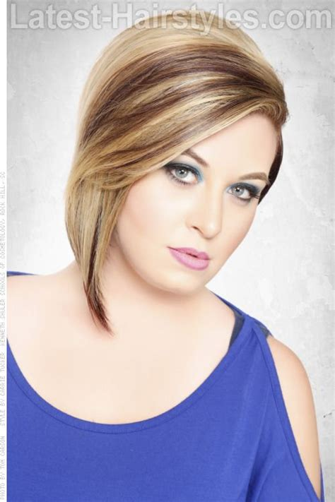 caramel brown bobs for round faces golden brown streaks on blonde haircolor add that adele