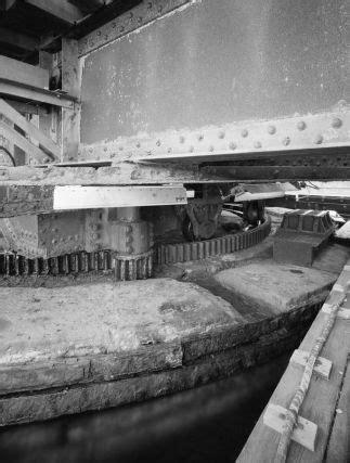 Bridgehunter.com | Amtrak - Mystic River Bridge (Old)