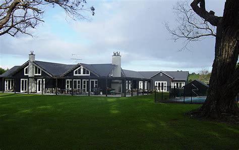 modern country house modern country house mackenzie architecture
