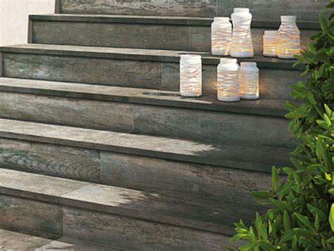 pavimento esterno finto legno pavimenti effetto legno piastrelle in gres interno ed