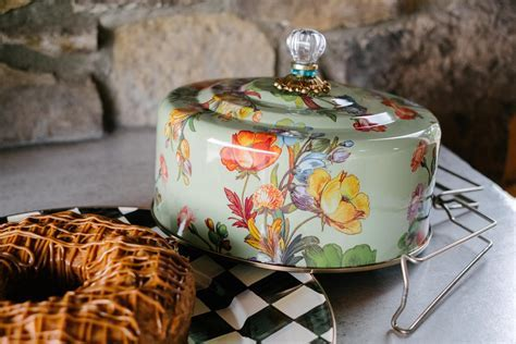 Mackenzie Childs Floral Cake Carrier ? The Pioneer Woman