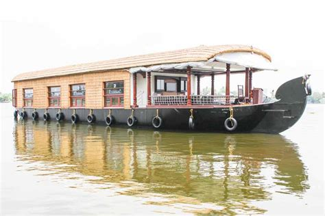 4 Bedroom Houseboat Alleppey by Pournami Houseboats Alleppey Boathouse Trips