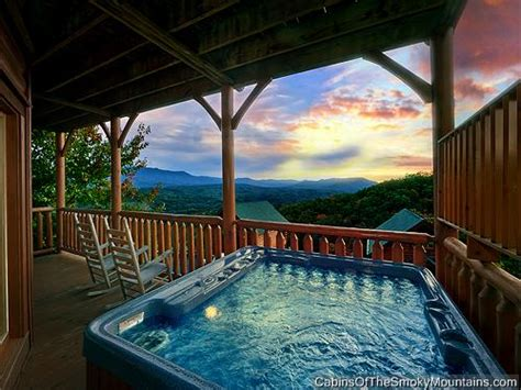 Cabins In Pigeon Forge With Pool Access by Pigeon Forge Cabin Highlander 2 Bedroom Sleeps 8