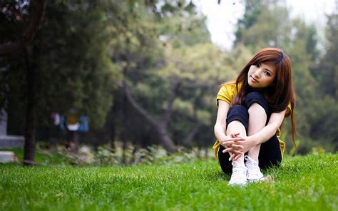 wallpaper girl love cute asian girl in love nature hd love wallpaper love