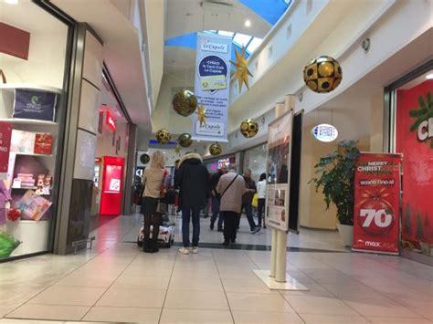 le cupole san giuliano negozi interno תמונה של centro commerciale le cupole סן ג