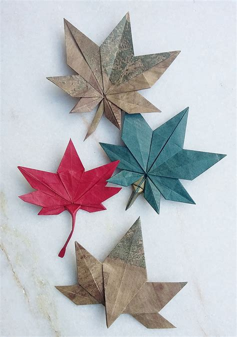 Leaves Origami - this week in origami autumn leaves edition