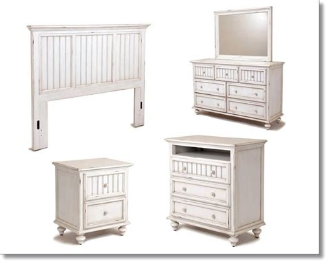 Distressed Bedroom Furniture by Distressed White Bedroom Furniture Distressed Antique