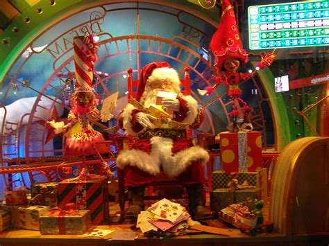 my favorite christmas window decorations in new york must see holiday sights in new york randolph mase s weblog