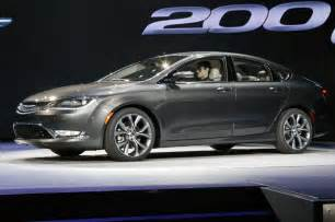 2015 Chrysler 200 Pictures 2015 Chrysler 200 In Detroit With Screen Photo 8