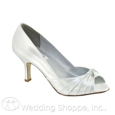 Wedding Shoes That Can Be Dyed by 13 Best Flat Wedding Shoes For All You Out