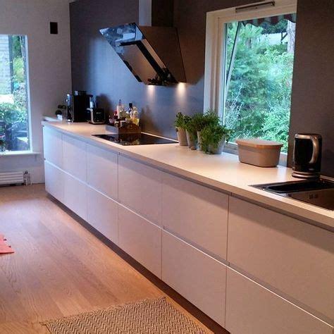 goede keukens ramen op goede plek mooie strakke keuken in mooie
