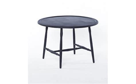 metal outdoor coffee table 10 easy pieces outdoor coffee tables gardenista