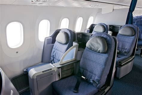 United Dreamliner Interior by
