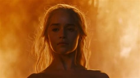 khaleesi bathtub game of thrones emilia clarke talks epic final scene