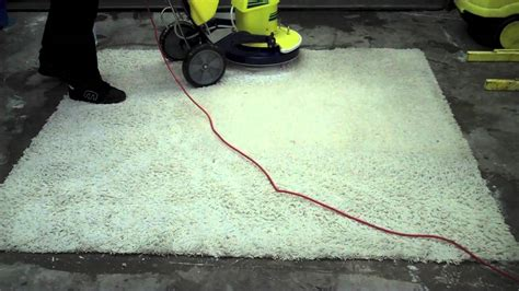 Area Rug Cleaning Ta Cleaning Area Rugs Cleaning Systems An Area Rug Using Modern Cleaning Machine Egoweblog