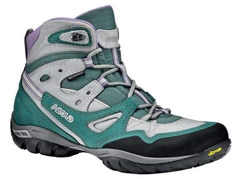 best womens hiking boots 10 of the best women s hiking boots coolhikinggear