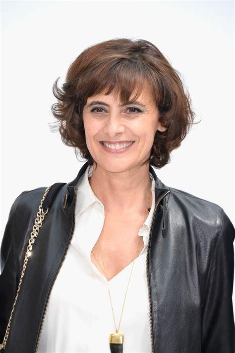 paris hair style2015 ines de la fressange short curls short hairstyles