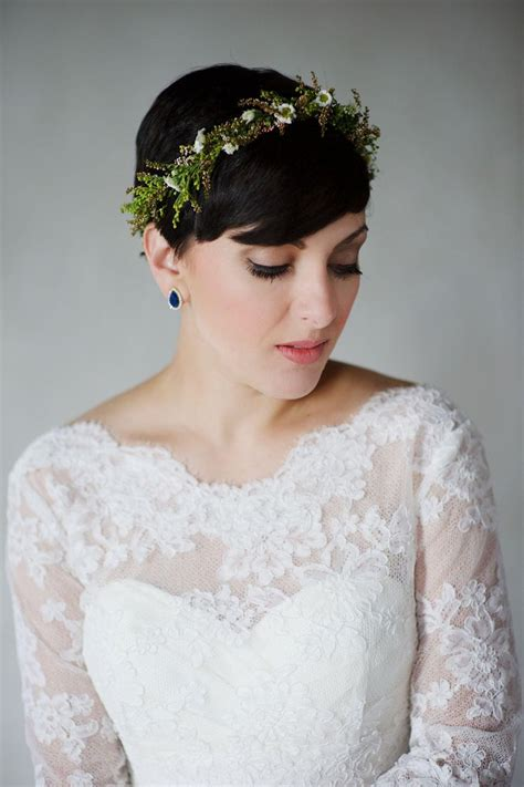 Pixie Cut Wedding Hairstyles With Veil by The 25 Best Pixie Wedding Hairstyles Ideas On