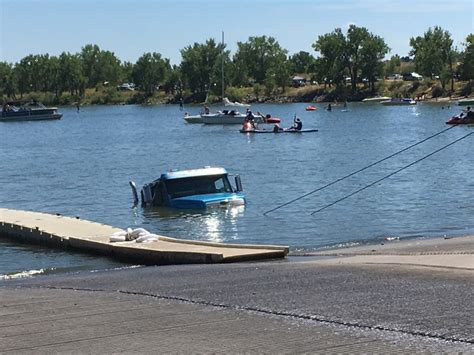 boat r mishaps tow truck has to be towed out of cherry creek reservoir