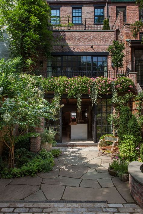 townhouse backyard landscaping 17 best ideas about townhouse garden on pinterest small