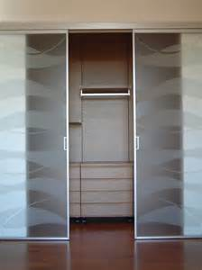 porte in plexiglass prezzi porte per la cabina armadio grandi e piccole cose di casa