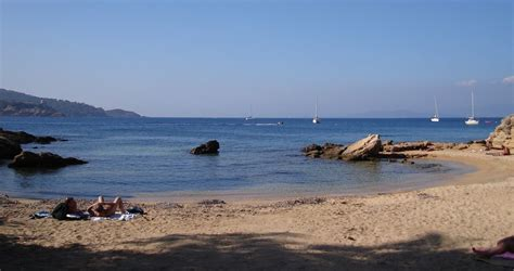 pelonne bonnieu levant au top des plages naturistes