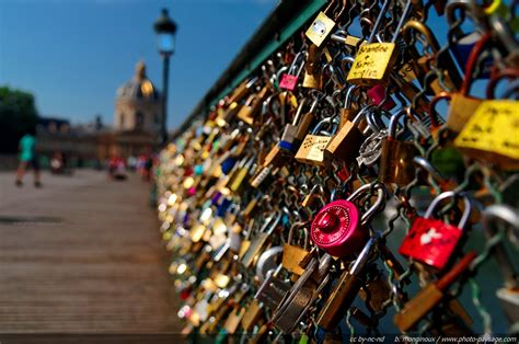 images of love locks paris love locks bridge being taken down youth