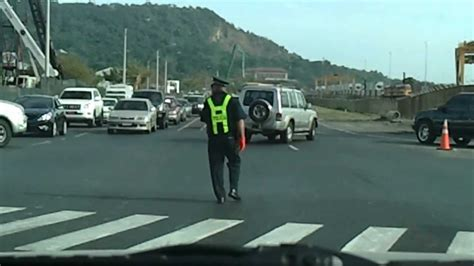 transito el el mejor policia de transito de panama youtube