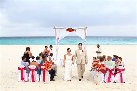Beach Wedding at Iberostar Cancun   Suzi and Rick   Del Sol Photography