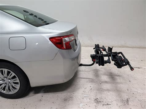 2007 toyota matrix yakima holdup 2 bike rack for 1 1 4