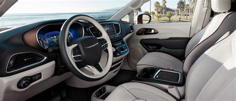 interior pictures 2017 chrysler pacifica interior features