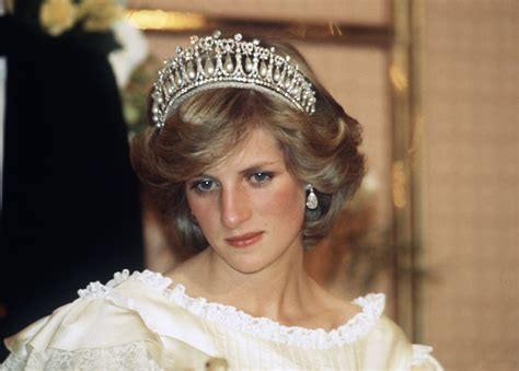 princess diana lovers the cambridge lover s knot tiara a look back at princess