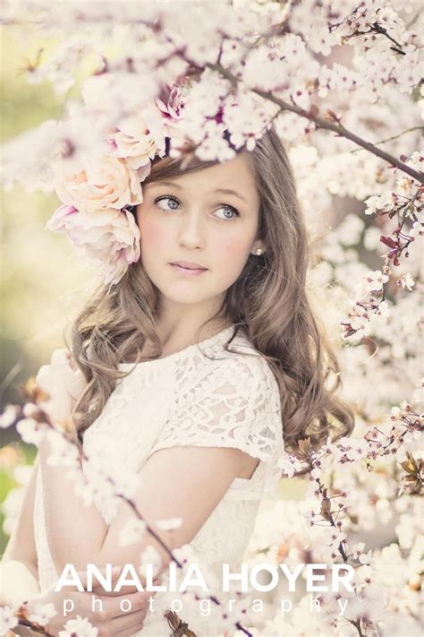 themes girl beautiful cherry blossoms beauty portrait pinterest photoshoot