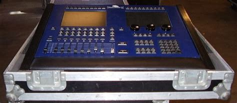 whole hog lighting desk jands wholehog 2 image 521630 audiofanzine