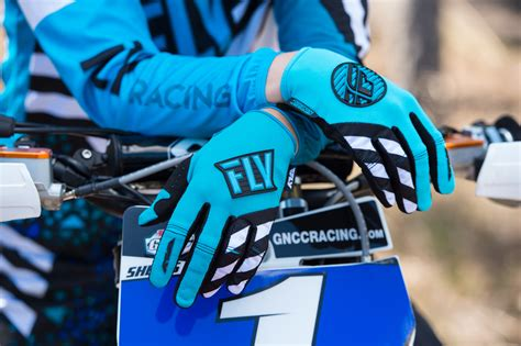 womens motocross gloves 100 fly womens motocross gear new mx kinetic race