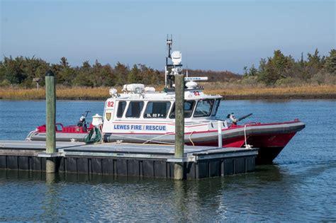 wilmington fire boat lewes delaware fireboat