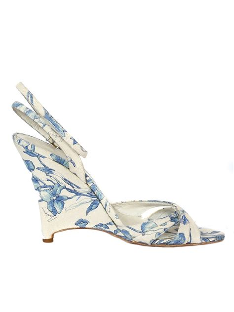 louise burberry white and blue floral printed