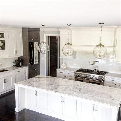 White Pendant Lights Kitchen Interior Design Ideas Home Bunch An Interior Design Luxury Homes Bloglovin