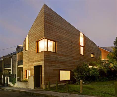 pannelli solari mobili casetta in legno mobile galleggiante con pannelli solari