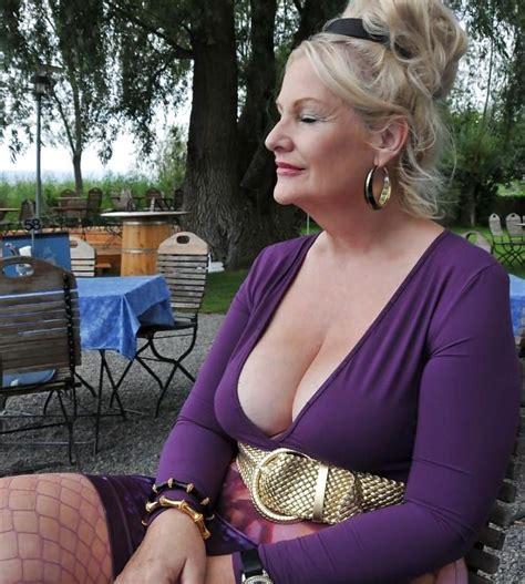 bbw backyard are her breasts saggy girlsaskguys