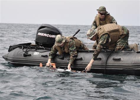 2 In 1 St Navy file us navy 110913 n xx999 002 mineman 1st class matthew giannini left mineman seaman