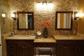 mocha onyx splitface accent wall traditional bathroom