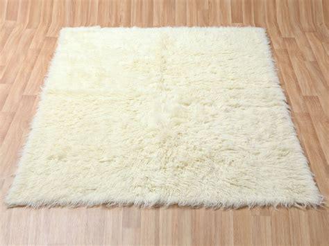 Fluffy White Rug by White Fluffy Rug Home Design Ideas