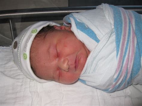 how to help your newborn baby sleep guide