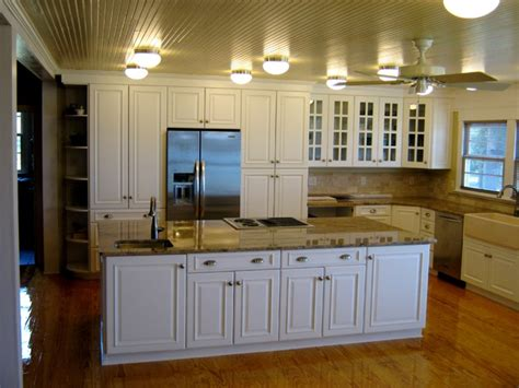 ultracraft kitchen cabinets contemporary ultracraft white kitchen traditional