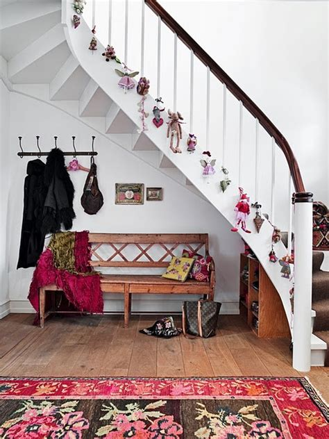 stairs decorations 100 awesome christmas stairs decoration ideas digsdigs