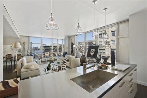 stylish manhattan apartment at the 42th floor sophisticated manhattan apartment design oozes
