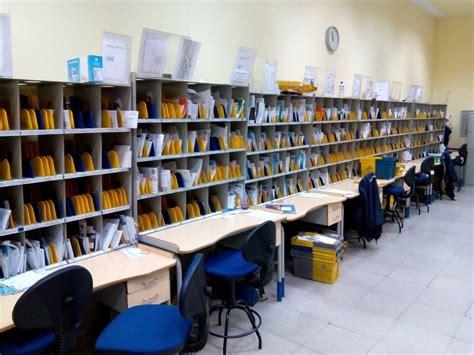 oficina central correos barcelona oposiciones en correos arranca la inscripci 243 n para optar